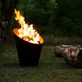 The simple but functional Morso Fire Pot is light enough to be transported around the garden, camping or even taken to the beach.
