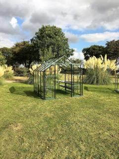 Vitavia Phoenix 6700 Greenhouse in Green