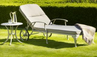 This Portofino Lounger is totally maintenance and rust free. This timeless sun lounger is anti corrosive and will give many years of service.