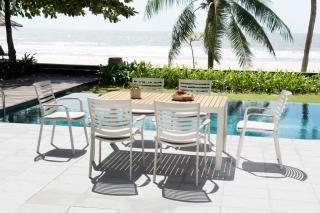 This spacious aluminium & teak 6 seat set comes with premium-grade olefin seat cushions.
