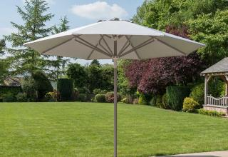 This clever telescopic parasol comes in a choice of two colours.