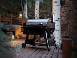 This speciality wood fired grill is designed to cook a range of foods from smoking to roasting.