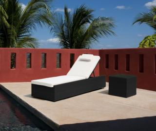 Westminster VLL102. A stylish adjustable lounger with cushion & wheels.