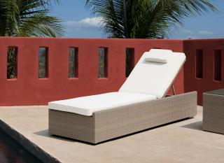 Westminster VLL103. A stylish adjustable lounger with cushion & wheels.