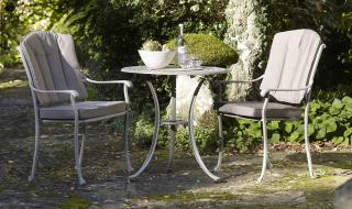 This Sorrento 70cm Bistro Set is totally maintenance and rust free. Ideal for the smaller garden or terrace, this classic set is powder coated to ensure anti corrosion.