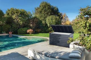 This extra large deck box is ideal for storing cushions or garden and pool supplies.
