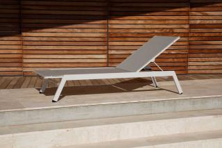 Barlow Tyrie Equinox Sun Lounger (Powder Coated)